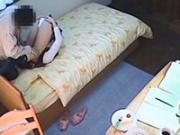 「JC相手に暴走する変態家庭教師を隠し撮りした衝撃映像!」のキャプチャー画像